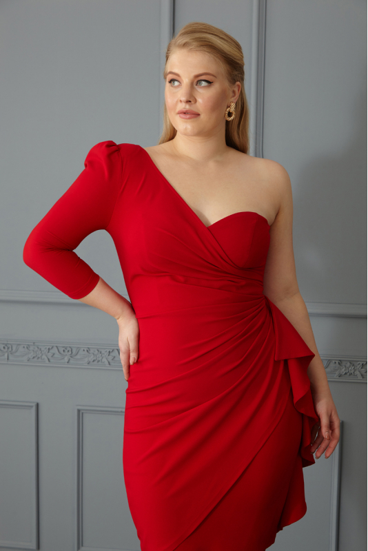 Red plus size crepe single sleeve mini dress