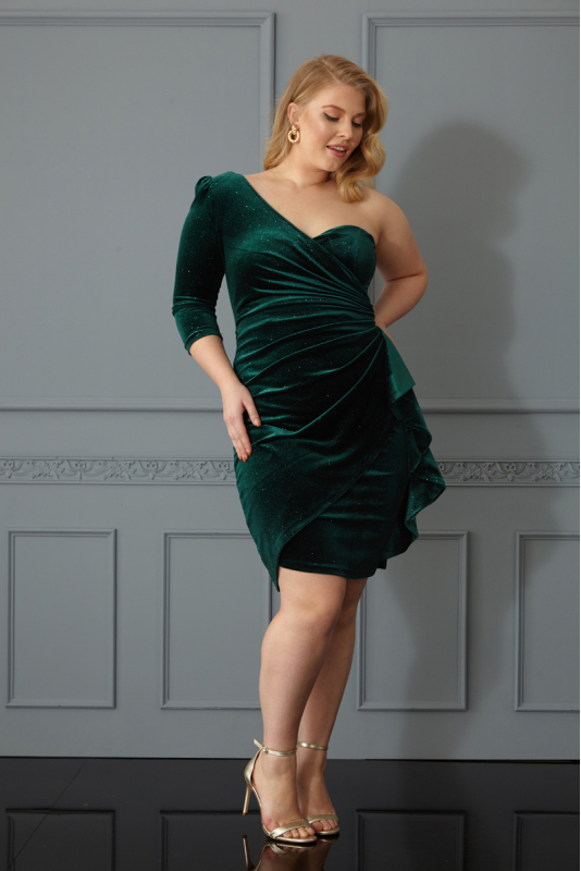 Green plus size velvet single sleeve mini dress